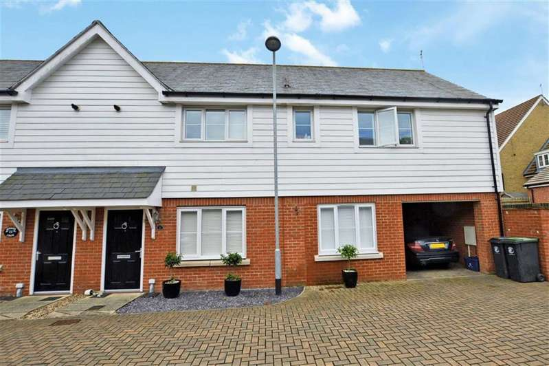 3 Bedrooms Semi Detached House for sale in Seymour Chase, Epping