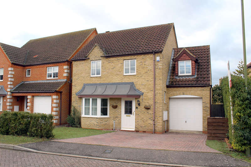 4 Bedrooms Detached House for sale in Skylark Place, Royston