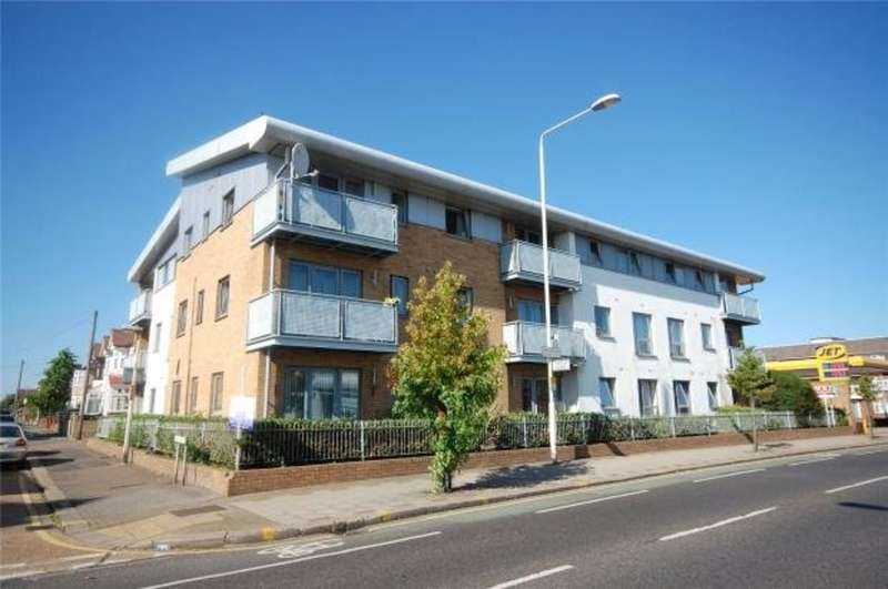 2 Bedrooms Ground Flat for sale in High Road, Chadwell Heath