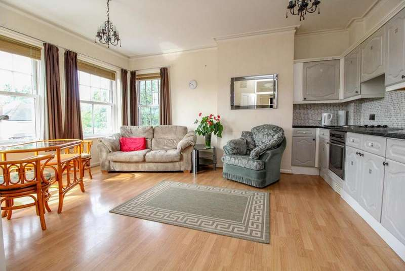 1 Bedroom Apartment Flat for sale in London Road, Brentwood, Essex, CM14
