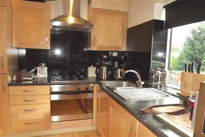 3 Bedrooms House for rent in Ainsley Road, Crookes, Sheffield, S10