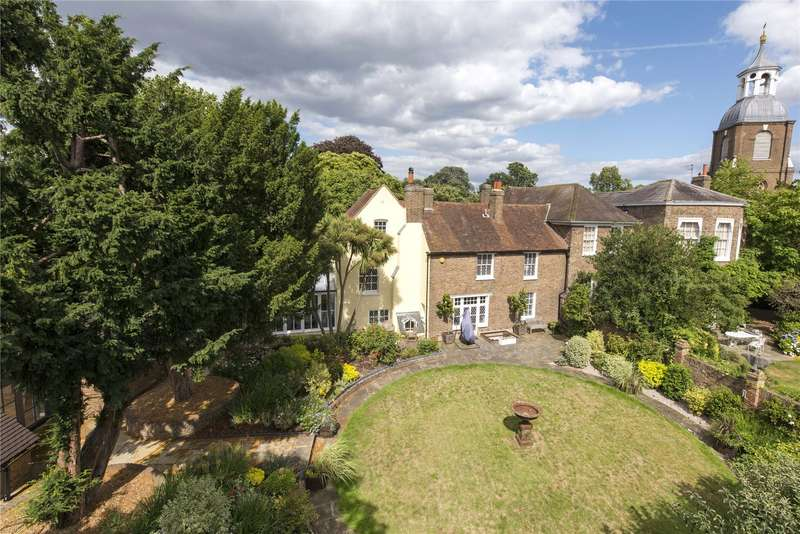 5 Bedrooms Semi Detached House for sale in Church Street, Sunbury-On-Thames, Surrey, TW16