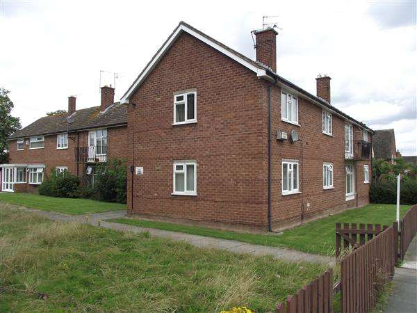 2 Bedrooms Apartment Flat for rent in Ferny Brow Road, Woodchurch