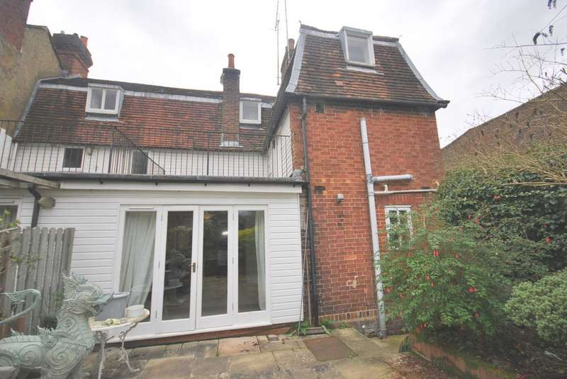 3 Bedrooms Cottage House for rent in Godstone, Surrey, RH9 8LL