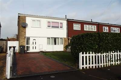 3 Bedrooms Semi Detached House for rent in Holme Crescent, Biggleswade