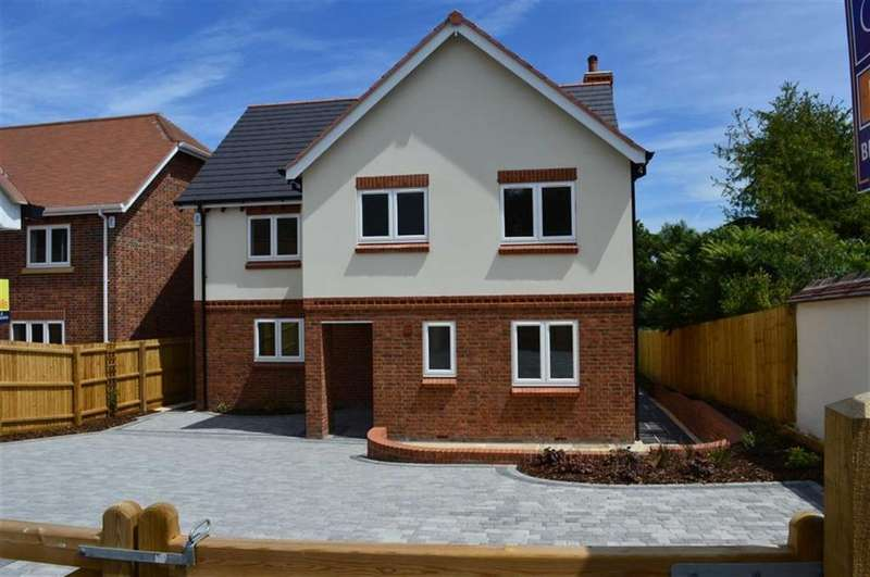 5 Bedrooms Detached House for sale in Beech Close, Blandford Forum, Dorset