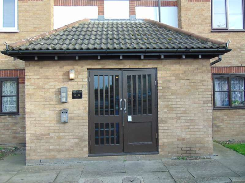 2 Bedrooms Flat for sale in Mill Close, Wisbech, PE13 3BD