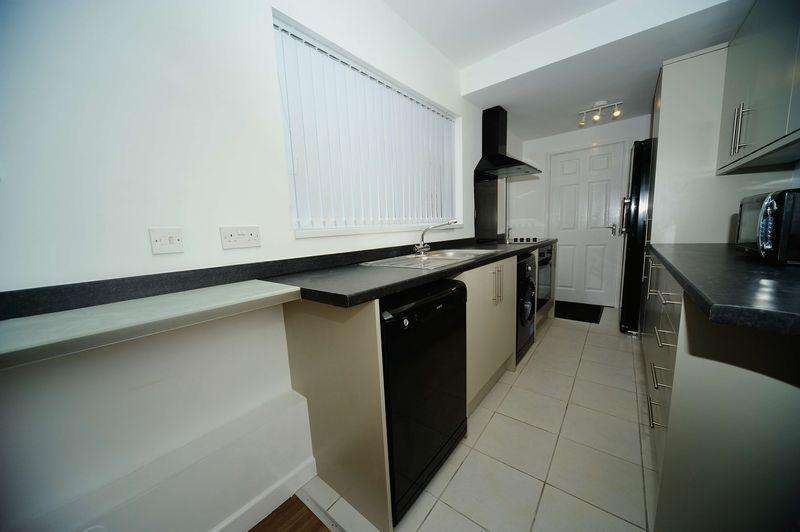 3 Bedrooms Terraced House for sale in Aske Road, Middlesbrough