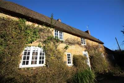 4 Bedrooms House for rent in North Chideock