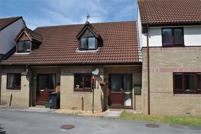 Terraced House for rent in The Briars, Backwell, Bristol, Somerset