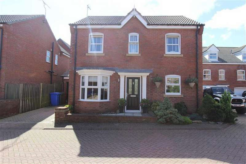 4 Bedrooms Detached House for sale in Fangdale Court, Bridlington, YO16