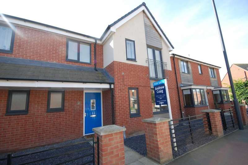 4 Bedrooms Semi Detached House for sale in St Aloysius View, Hebburn