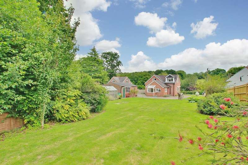 3 Bedrooms Detached House for sale in AWBRIDGE