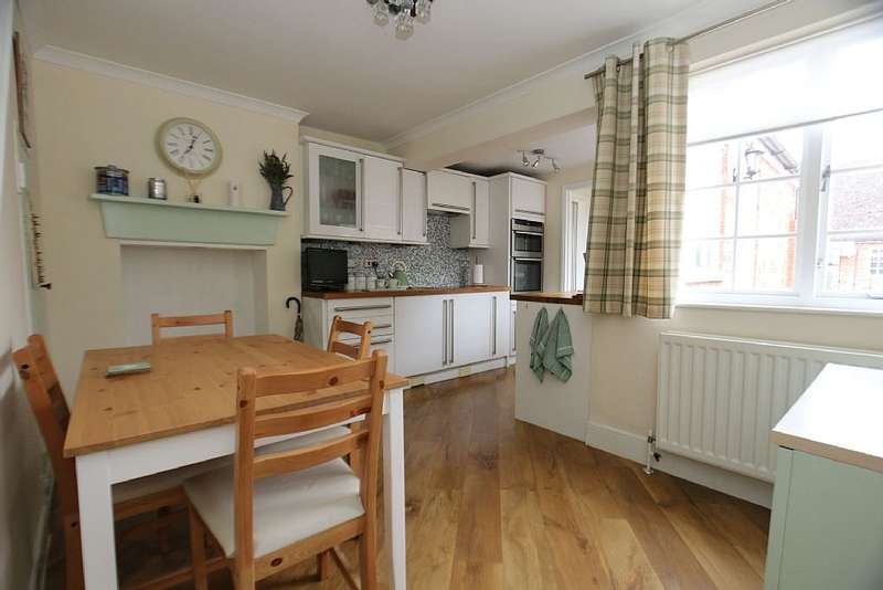 2 Bedrooms End Of Terrace House for sale in North Street, Headcorn, Ashford, Kent, TN27