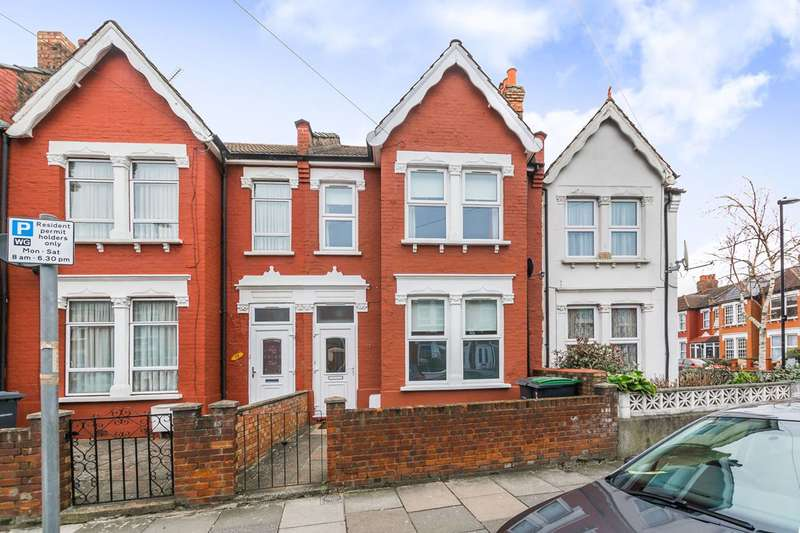 4 Bedrooms House for rent in Mannock Road, Wood Green, N22