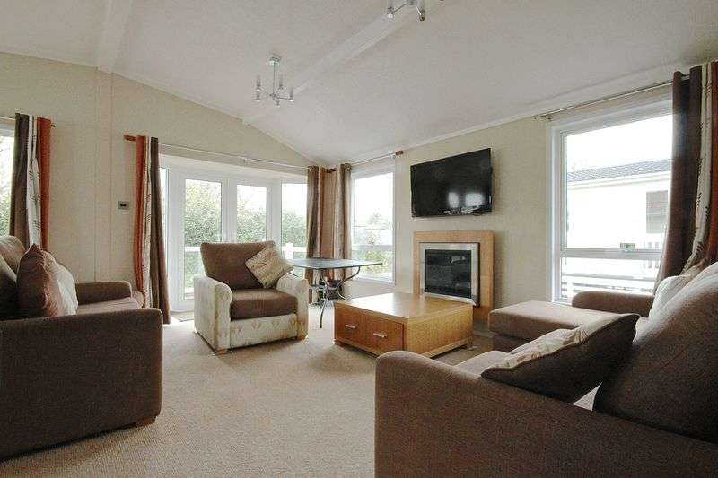 2 Bedrooms Property for sale in Bowleaze Coveway, Weymouth