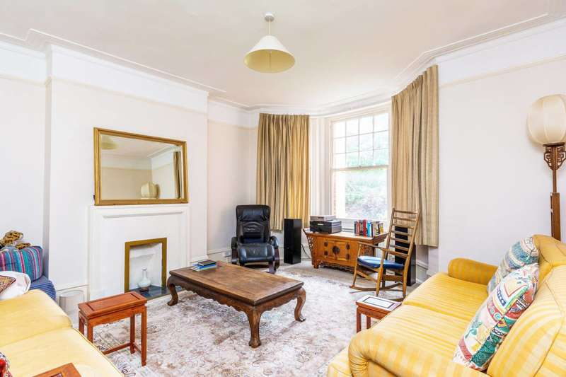 1 Bedroom Flat for sale in Sutton Court, Grove Park, W4