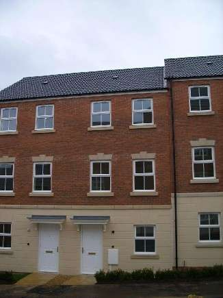 3 Bedrooms Town House for rent in Kepwick Road, Hamilton , Leicester