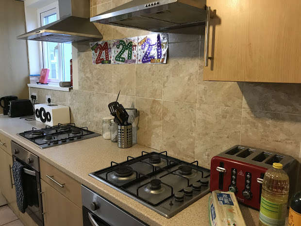 7 Bedrooms Terraced House for rent in Miskin Street, Cathays, Cardiff, CF24