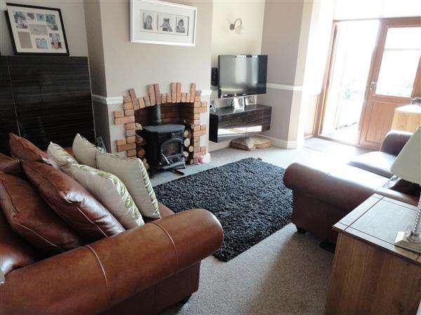 2 Bedrooms Apartment Flat for rent in Ifton Terrace, Rogiet, Caldicot