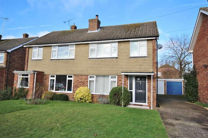 3 Bedrooms Semi Detached House for sale in Chaseside Avenue, Twyford, RG10