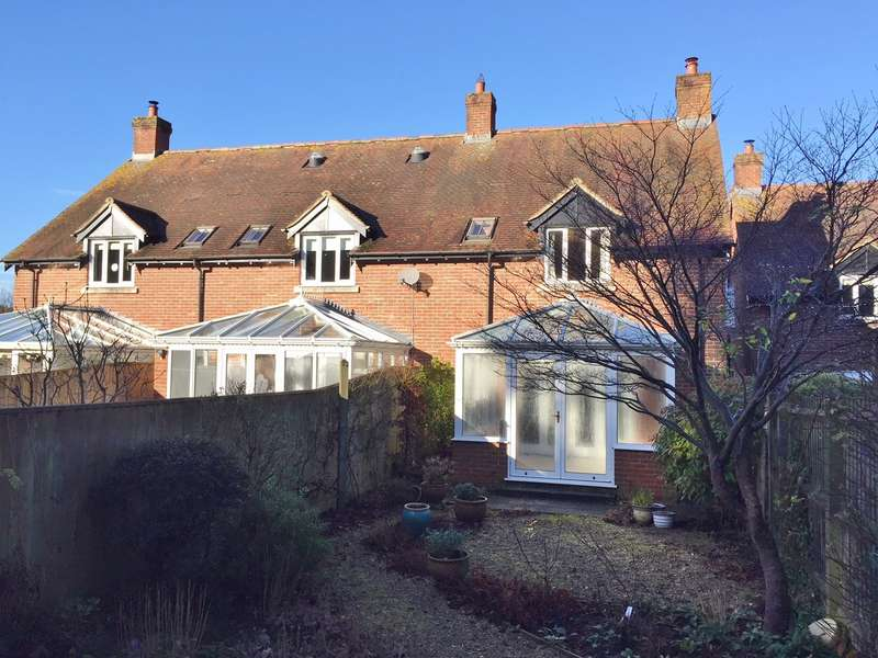 3 Bedrooms House for sale in Sturminster Marshall