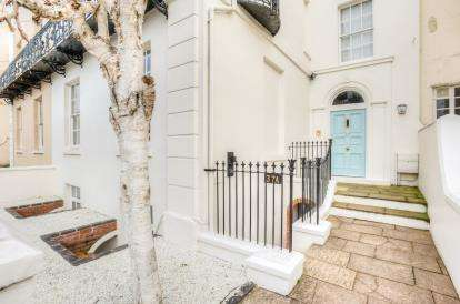 2 Bedrooms Flat for sale in Dale Street, Leamington Spa, Warwickshire, England