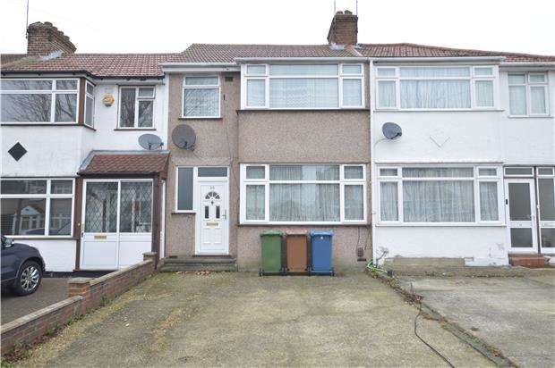 3 Bedrooms Terraced House for sale in Lawrence Crescent, EDGWARE, Middlesex, HA8 5PD