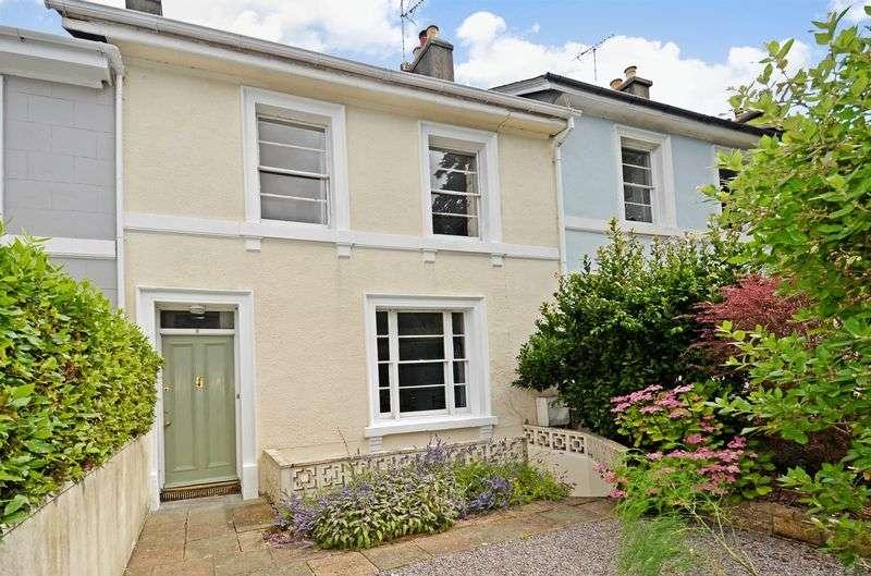 4 Bedrooms Property for sale in Devon Square, Newton Abbot