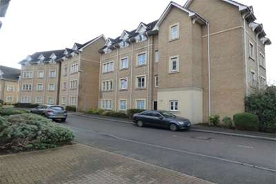 2 Bedrooms Flat for rent in STEEPLE VIEW, BASILDON