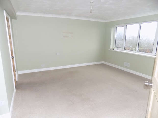 2 Bedrooms Flat for rent in DUDLEY, West Midlands, DY2