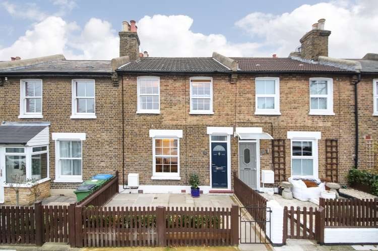 2 Bedrooms Terraced House for sale in Couthurst Road London SE3