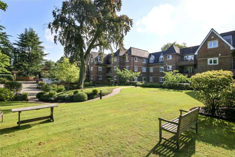 3 Bedrooms Flat for sale in Churchfields Avenue, Weybridge, Surrey, KT13