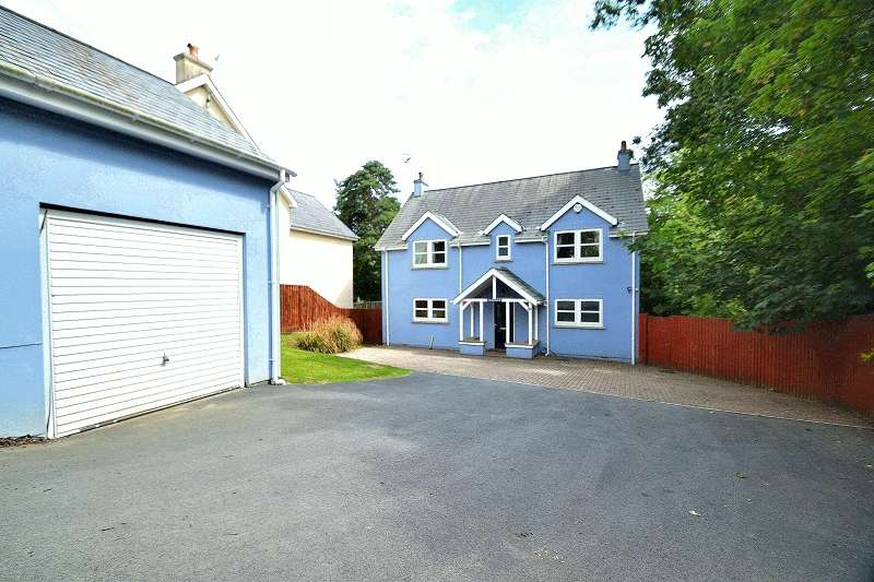 4 Bedrooms Detached House for sale in Twmbarlwm 20 Haytor Gardens, Tenby, Pembrokeshire. SA70 8HW