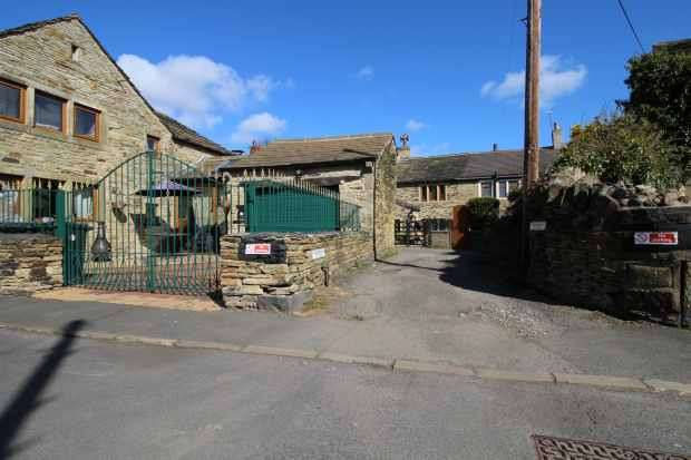 1 Bedroom Terraced House for sale in Snowden Road, Shipley, West Yorkshire, BD18 1JD