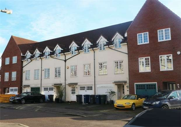 3 Bedrooms Terraced House for sale in Bernhart Close, Edgware, Greater London