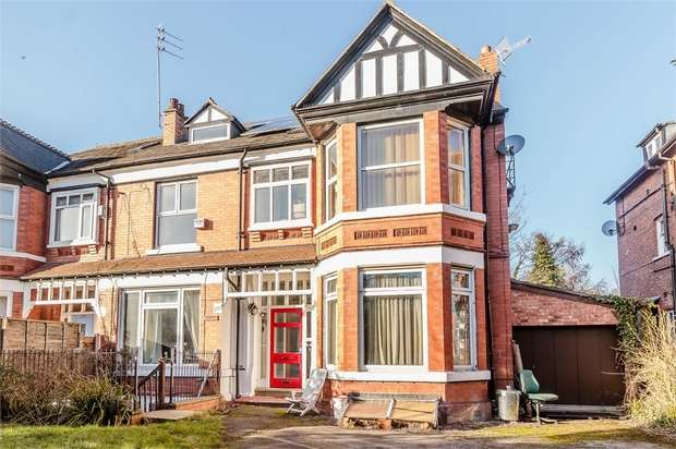 8 Bedrooms Semi Detached House for sale in Burton Road, Manchester