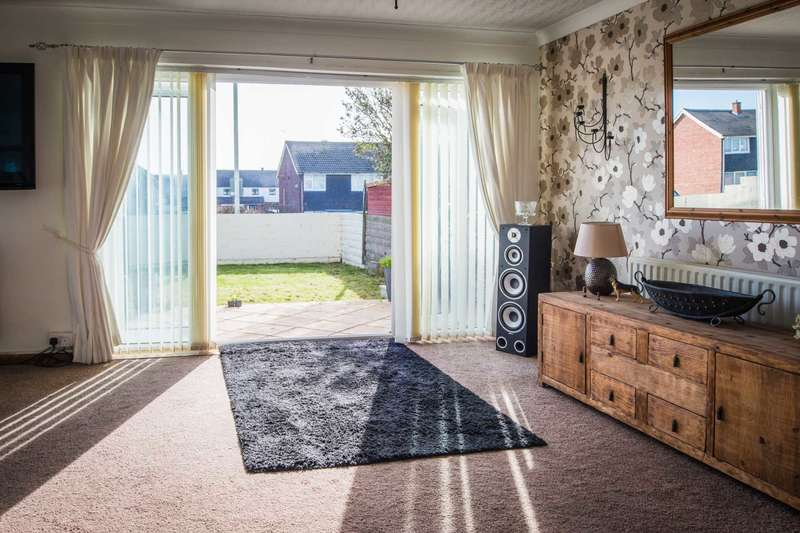 4 Bedrooms Detached House for sale in Rest Bay, Porthcawl