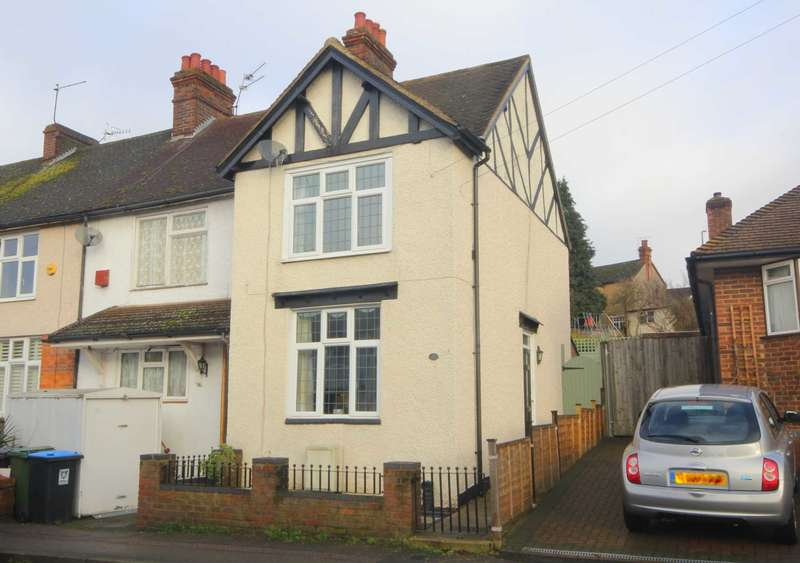 3 Bedrooms Cottage House for sale in REFURBISHED and SUPERBLY presented 3 bed cottage retaining a wealth of PERIOD FEATURES in Apsley.