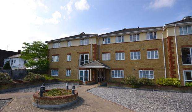 2 Bedrooms Apartment Flat for sale in St. Michaels Place, St. Michaels Road, Camberley