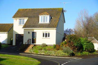 3 Bedrooms Detached House for sale in St Austell, Cornwall, Uk