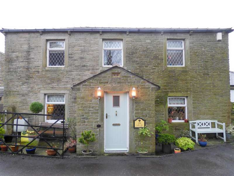3 Bedrooms Unique Property for sale in Broad Oak, Linthwaite, Huddersfield, HD7 5TE