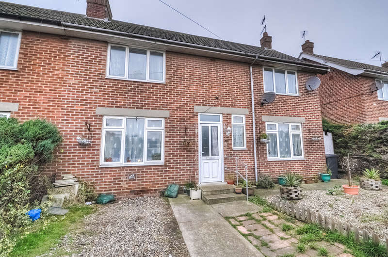 4 Bedrooms Semi Detached House for sale in Windsor Road, Reydon