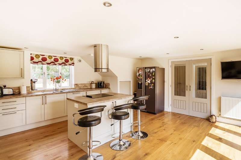 4 Bedrooms House for sale in Main Road, Crockham Hill