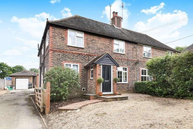 3 Bedrooms Semi Detached House for sale in Northlands Cottages, Northlands Road, Warnham, RH12