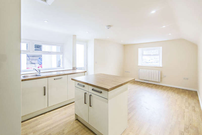 1 Bedroom Flat for rent in Chapel Road, Foxhole, St. Austell, PL26