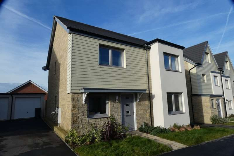 4 Bedrooms Detached House for sale in Churchill Rise, Axminster, Devon, EX13