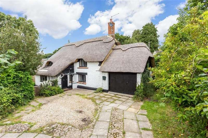 2 Bedrooms Cottage House for sale in Canford Bottom, Wimborne, Dorset