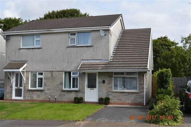 3 Bedrooms Semi Detached House for sale in Clos Glanlliw, Swansea, SA4