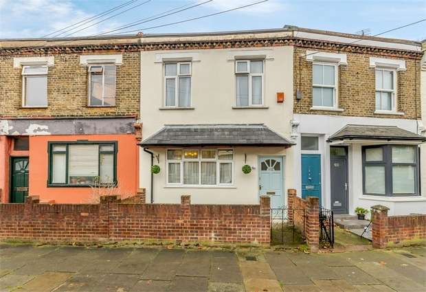 3 Bedrooms Terraced House for sale in Gayford Road, London